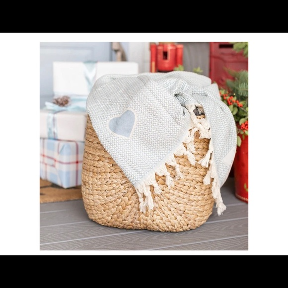 Winter Jilly Box Droplet Home Goods Throw